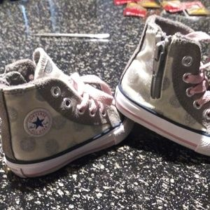 Converse high tops size4